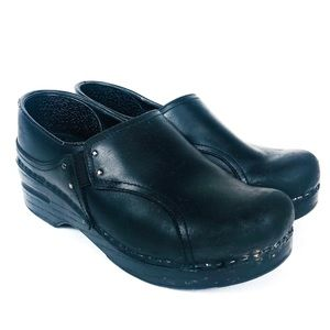 DANSKO Black Oiled Leather Nursing Mule Clog 36